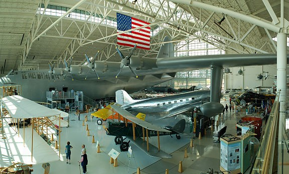 800px-Hughes_H-4_Evergreen_Museum